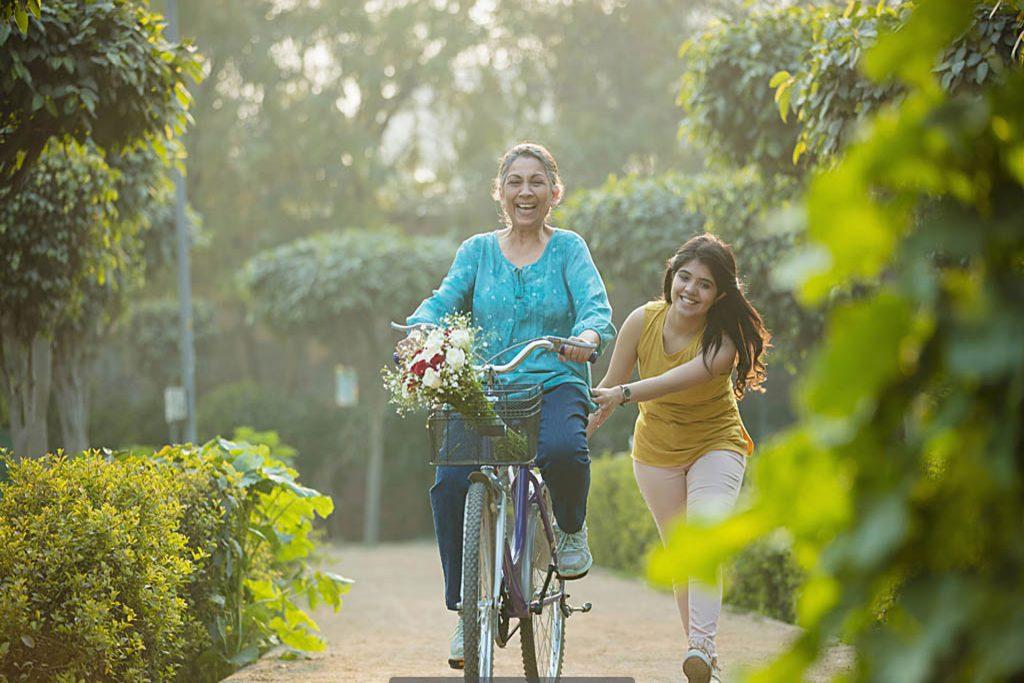 Anju-Sanitary-Pad-Nepal-women cycling