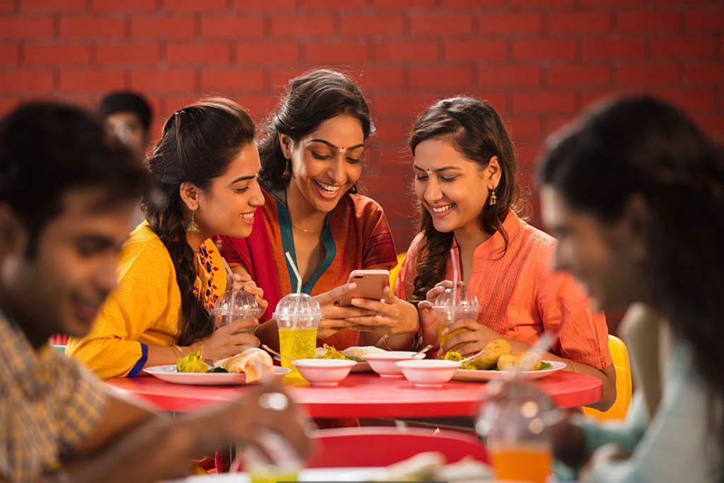 Anju-Sanitary-Pad-women restaurant